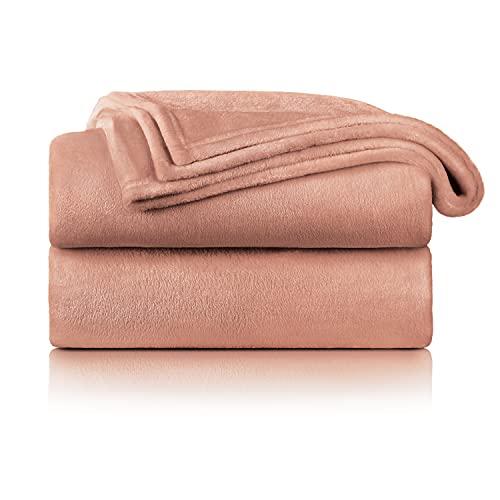 Blumtal Flauschige Kuscheldecke – hochwertige Wohndecke, super weiche Fleecedecke als Sofaüberwurf, Tagesdecke oder Wohnzimmerdecke, 220 x 240 cm, Dusty pink - rosa