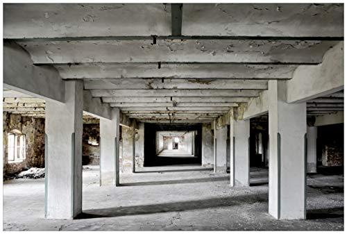 Wallario Premium XXL Vliestapete Alte Industriehalle im Kellergeschoss - einsame Lagerhalle Einer Brauerei - Größe: 400 x 267 cm