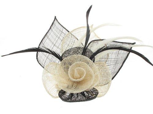 Superbe noir et crème pour cheveux avec rose et feuilles sinamay, et plumes monté sur barrette A Cheveux Broche connectées- Idéal pour toutes les occasions.