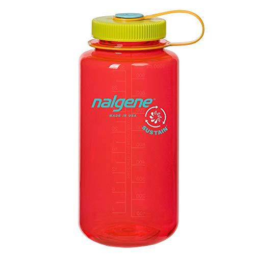 Botella de agua sin BPA, hecha de 50% de contenido reciclado certificado, granada