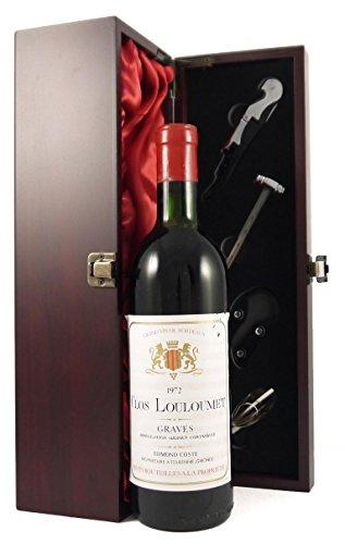 Clos Louloumet 1972 Graves in einer mit Seide ausgestatetten Geschenkbox. Da zu vier Wein Zubehör, Korkenzieher, Giesser, Kapselabschneider,Weinthermometer, 1 x 750ml