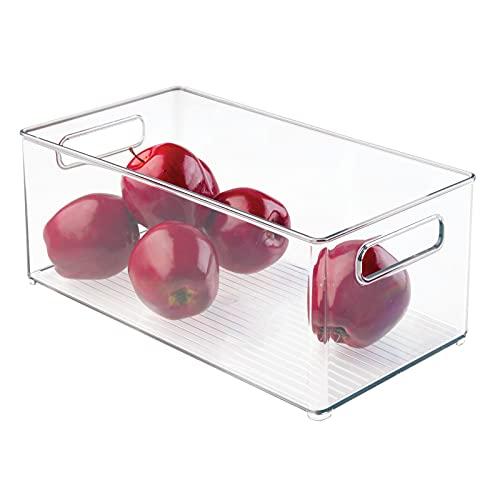 mDesign Caja organizadora de plástico con asas - Ideal como organizador de alimentos, utensilios de cocina o latas en la nevera - transparente