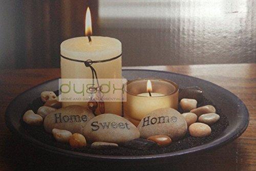 """Set di candele profumate, pietre levigate che formano la scritta """"Home sweet home"""", candela a colonna, decorazione votiva"""