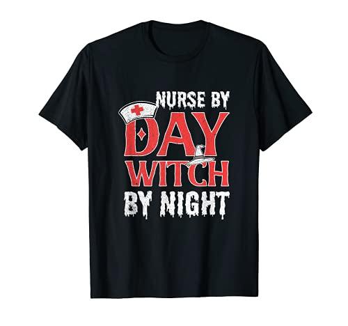 Enfermera de Halloween por bruja de da por la bruja del hospital nocturno Camiseta