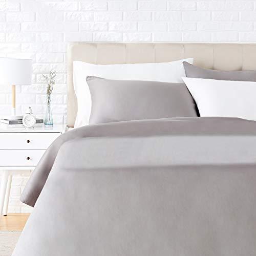Amazon Basics - Juego de ropa de cama con funda de edredón, de satén, 230 x 220 cm / 50 x 80 cm x 2, Gris oscuro