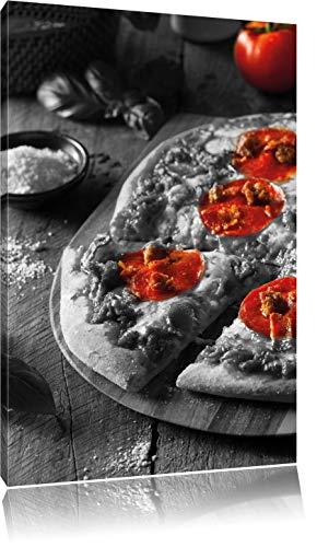 Delicious pepperoni pizza uit de ovenFoto Canvas | Maat: 120x80 cm | Wanddecoraties | Kunstdruk | Volledig gemonteerd