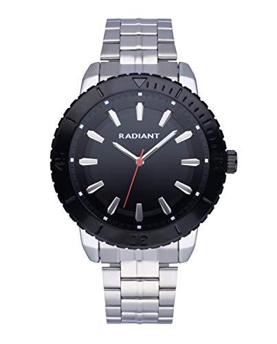 Reloj analógico para Hombre de Radiant. Colección Storm. Reloj con Brazalete Plateado y Esfera y Bisel en Negro. 5ATM. 44mm. Referencia RA570202.