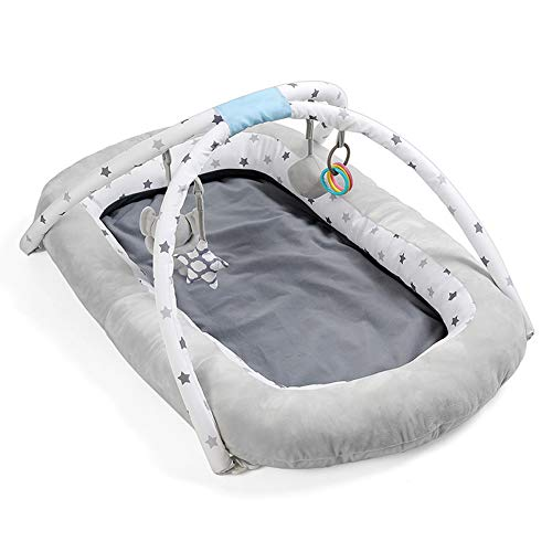 HLSUSAN New Newborn Baby Lounger Multifunctional Baby Sleep Nest Pod with Toy Rack 0-24 Months Portable Travel Cot Comfortable Breathable Bionic Bed 98×60cm