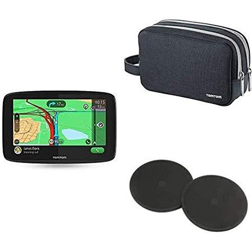 TomTom Navigationsgerät GO Essential (5 Zoll, Stauvermeidung dank TomTom Traffic, Karten-Updates Europa, Freisprechen, Updates über Wi-Fi, TMC) + Reisetasche + Klebe-Befestigungsplatten