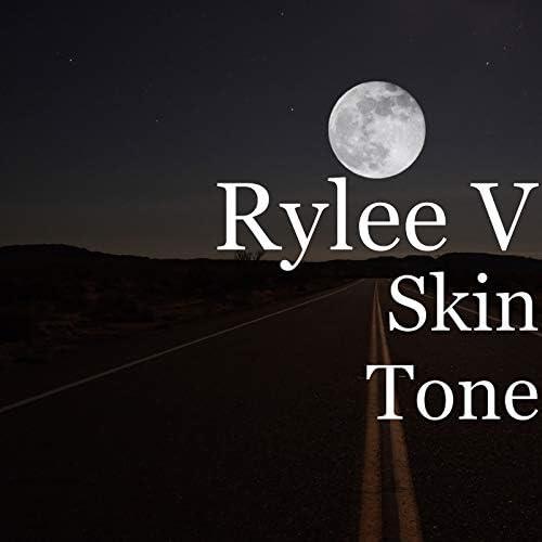 Rylee V