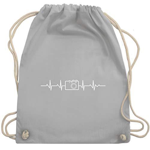 Shirtracer Symbole - Herzschlag Foto Kamera - Unisize - Hellgrau - turnbeutel fotografie - WM110 - Turnbeutel und Stoffbeutel aus Baumwolle