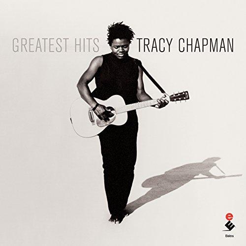ギター一本での堂々たる弾き語りスタイルが特徴のトレイシー・チャップマン。素朴でシンプルなサウンドは、日常の何気ない静かな瞬間に寄り添ってくれるはず。  楽曲では時に、政治や社会問題へのメッセージを発信することも。気になる方はぜひ歌詞にも注目してみてくださいね。