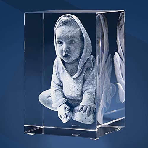 Isonio 3D Glasfoto - Ihr Foto in 3D in Viamant Glas gelasert – Fotogeschenk – 3D Foto für Fotos mit maximal 1-3 Personen (M – Hochformat)