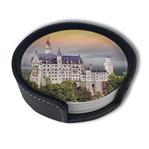 BJAMAJ Neuschwanstein Castle Premium PU-Leder Untersetzer, Getränkeuntersetzer mit Halter, geeignet für Zuhause und Küche (6 Stück)