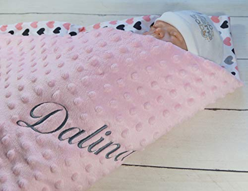 ★ Babydecke mit Namen und Datum bestickt ★ MINKY ★ Baumwolle ★ Füllung ★ (Hellrosa - Herzen)