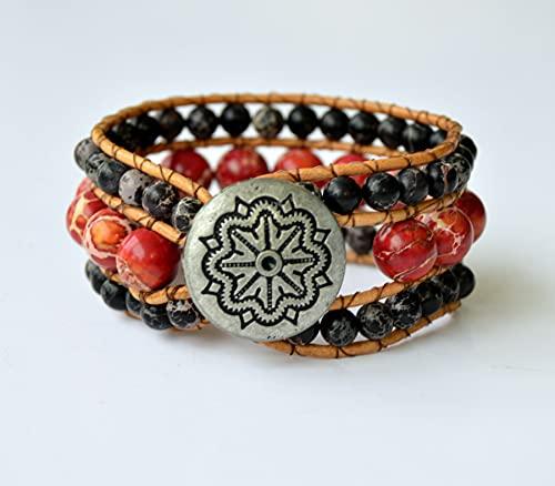Pulsera artesanal ancha roja y negra de cuero y piedras naturales hecha a medida, regalo original para mujer