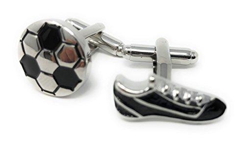 Gemelli stivali da calcio e da calcio in una lussuosa scatola di presentazione di lusso. Novità Sport Tema del calcio Gioielli