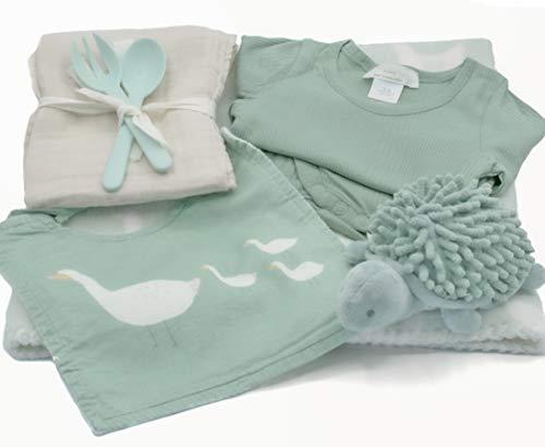 Canastilla bebe recien nacido - Regalos Bebes Recien Nacidos Originales - Productos de calidad y diseño en verde menta. Cesta regalo bebe recien nacido niña y niño.