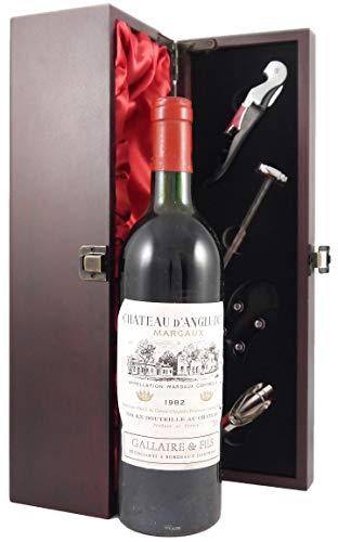 Chateau D'Angludet 1982 Margaux in einer mit Seide ausgestatetten Geschenkbox. Da zu vier Wein Zubehör, Korkenzieher, Giesser, Kapselabschneider,Weinthermometer, 1 x 750ml