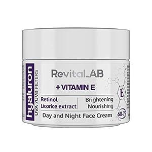 RevitaLAB - Crema antiarrugas de día y de noche enriquecida con vitamina A (retinol), vitamina E, extracto de raíz de regaliz, ácido hialurónico y filtros UV, franja de edad 60-75, 50 ml