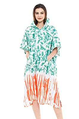 REEMONDE Changing Towel Surf Poncho Robe with Hood   One Size Fits All   Great for Changing Out of Your Wetsuit (TD-Green)