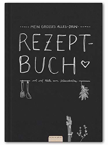 Großes Alles-Drin XXL Rezeptbuch in A4 zum Selberschreiben - DIY Kochbuch, Backbuch schreiben, Tafel Design in Schwarz Weiß, Recyclingpapier, Premium Hardcover, robuste Bindung, 21 x 30 cm