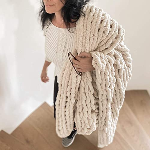 """Hygge & Cwtch Chunky Chenille Blanket 