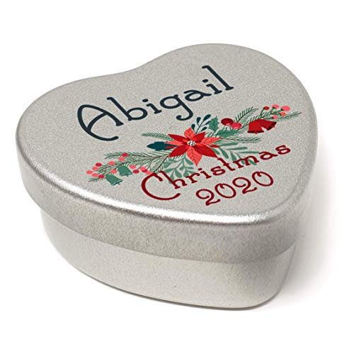 Luxury Personalised Name Christmas Place Settings Mini Heart Shaped Tin Xmas Dinner Table Xmas Wreath with Bells Filled with Mini Mints