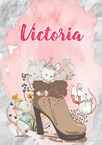 Victoria: Carnet de notes A5   Prénom personnalisé Victoria   Cadeau d'anniversaire pour fille, femme, maman, copine, sœur   Souris mignonnes en ... pages lignée, Petit Format A5 (14.8 x 21 cm)