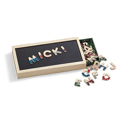 Micki 10219200 Magnetbuchstaben Senses - 51 Bunte Holz Alphabet Magnete in Box mit Magnettafel - 3 cm - ab 3 Jahre