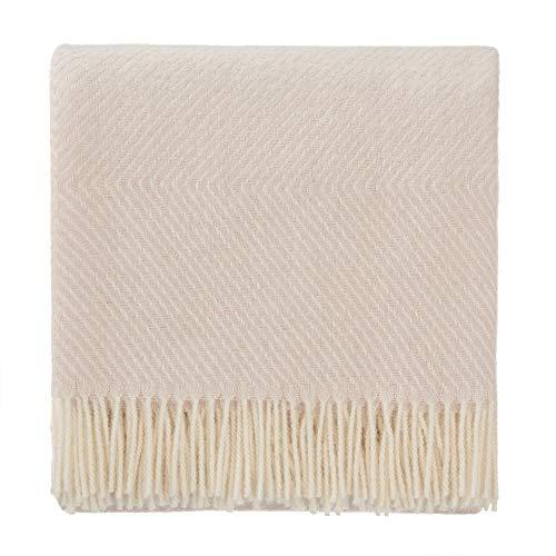 URBANARA 220x240 cm Wolldecke 'Gotland' Zartrosa/Creme — 100% Reine skandinavische Wolle — Ideal als Überwurf, Plaid oder Kuscheldecke für Sofa und Bett — Warme Decke aus Schurwolle mit Fransen