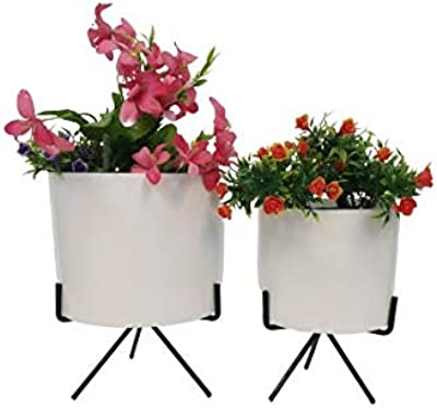 Wonderland (Set of 2) Modern Planters in White with Metal Stand