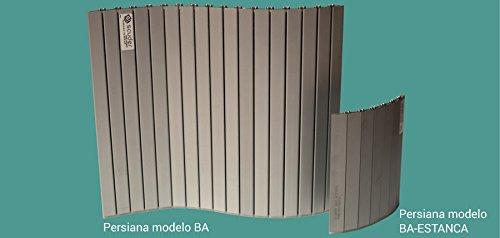 Persiana de aluminio compuesta por lamas unidas entre sí con un poliuretano especial con alta resistencia a aceites y refrigerantes.