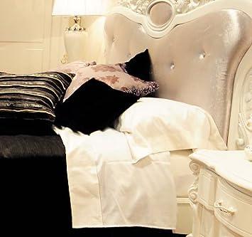 Upandup Elegante Set Completo Lenzuola Matrimoniali Raso Cotone Bianco E Bordi Seta Bianco Cm300 Xcm 260 Amazon It Casa E Cucina