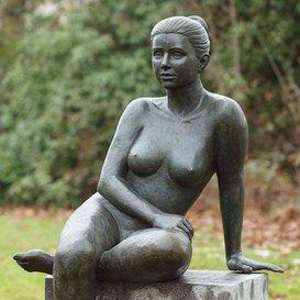 """Bronze Gartenfigur & Skulptur für den Garten - \""""Ina\"""""""