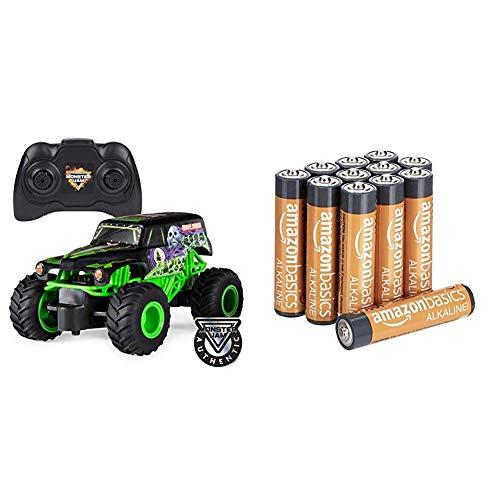 Monster Jam 6044955 - Grave Digger RC Truck, Maßstab 1:24, ferngesteuert & Amazon Basics Performance Batterien Alkali, AAA, 12 Stück (Design kann von Darstellung abweichen)