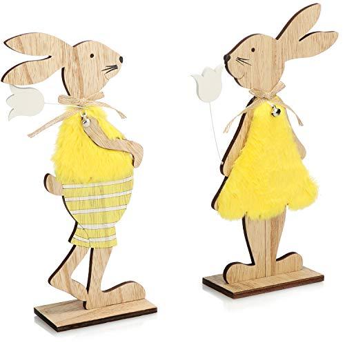 com-four® 2X Decorazione per Pasqua - Due Coniglietti pasquali da appoggiare in Legno - Coppia di Conigli pasquali con Fiori (Set04 - Conigli con Abiti e Fiori)
