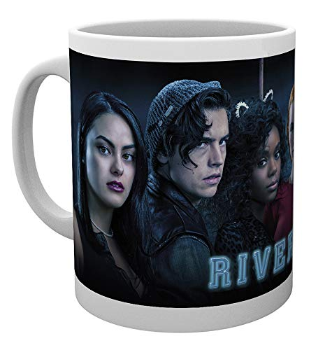Riverdale Tasse Cast  weiß, bedruckt, aus Keramik, Fassungsvermögen ca. 320 ml.
