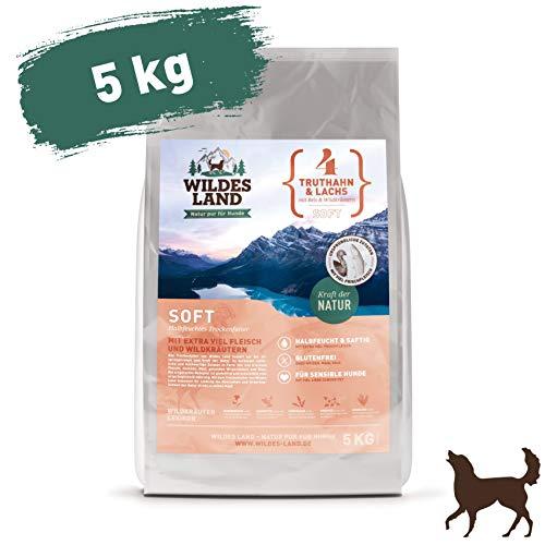 Wildes Land | Halbfeuchtes Trockenfutter für Hunde | Nr. 4 Truthahn & Lachs | 5 kg | mit Reis und Wildkräutern | Glutenfrei | Extra viel Fleisch | Soft Beste Akzeptanz und Verträglichkeit