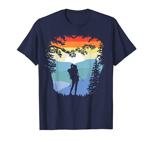 Trees Mountains & Girl Hiker Retro Negative Space Backpacker Camiseta