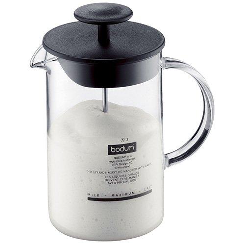 Bodum Latteo Milchaufschäumer – glatter Kunststoffdeckel mit tiefem Rand, um das Verschütten von Schaum beim Aufschäumen zu verhindern.