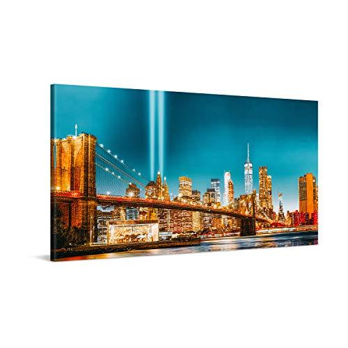PICANOVA – New York Manhattan Brooklyn Bridge at Night 100x50cm – Cuadro sobre Lienzo – Impresión En Lienzo Montado sobre Marco De Madera (2cm) – Disponible En Varios Tamaños – Colección New York