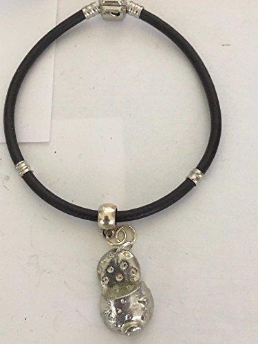 Giftsforall TG91 Charm mit süßem Schwein auf einem silbernen Kunstleder-Armband
