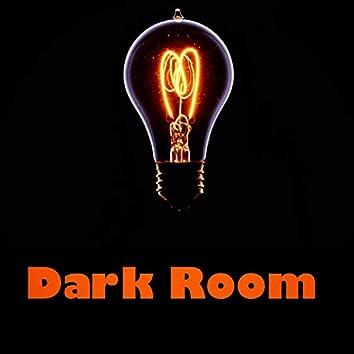 Dark Room (feat. Howe)