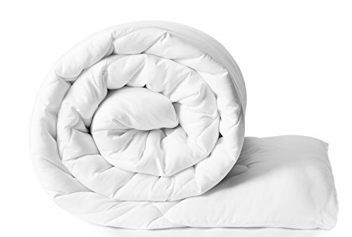 Amazon Brand - Solimo Microfibre Double Comforter - 200 GSM, White