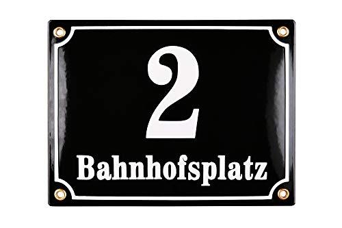 Sosenco Hausnummerschild Hausnummer mit Straßenname - 20x15 cm - Keramik Emaille - Wetterfest - Personalisiert - Schwarz