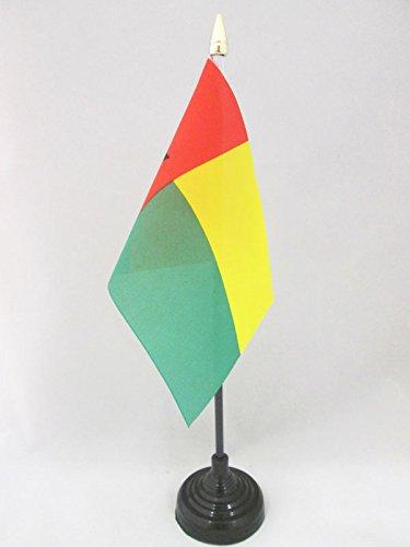 AZ FLAG TISCHFLAGGE Guinea-Bissau 15x10cm goldene splitze - Bissau-GUINEISCHE TISCHFAHNE 10 x 15 cm - flaggen