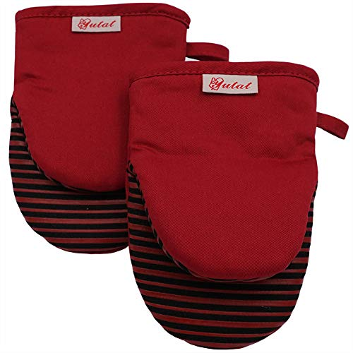 Mini Oven Mitts, Cook Mittens Yutat Silicone Oven Mitts with Quilted Liner Professionally Protect Your Hand During Baking Doing BBQ or Carry Hot Pot Red(1 Pair)