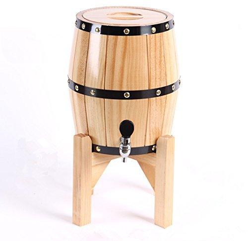 Barriles de madera de roble con barriles de vino de acero inoxidable...