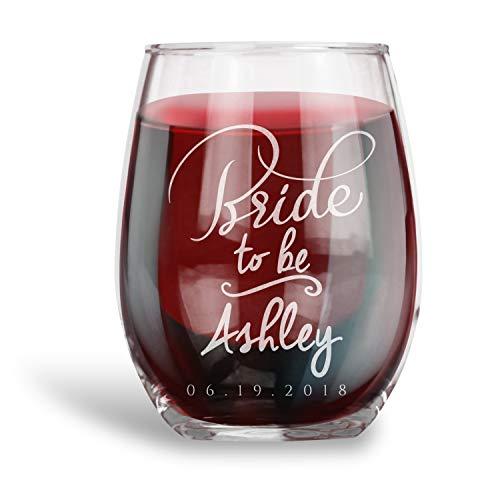 Huwelijkscadeau voor de bruid om te worden gepersonaliseerd Stemless wijnglas bruid om uw naam en datum Bachelorette cadeau-ideeën te graveren